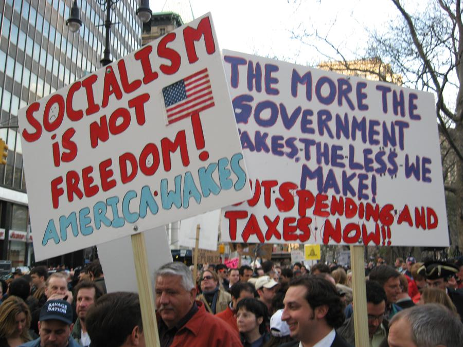 Manifestación del movimiento 'Tea Party'. (Foto: http://www.quotationof.com/tea-party-movement.html)