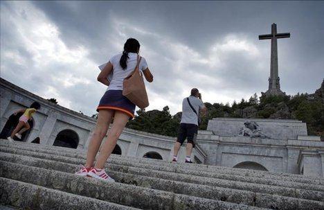 El Valle de los Caídos, El Escorial, Madrid. (Foto: www.elperiodico.com)